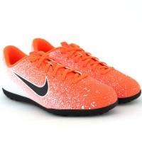 Imagem - Chuteira Society Nike Vapor 12 Club ref: AH7355-801