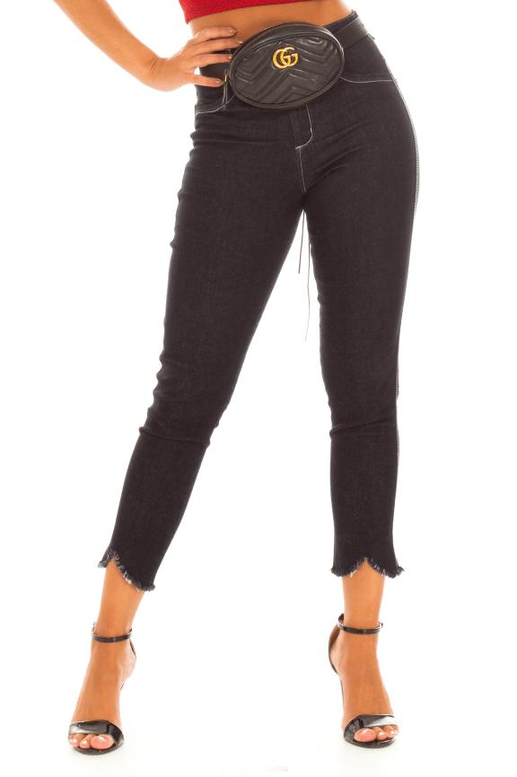 Calca Jeans com Barra Destroyed