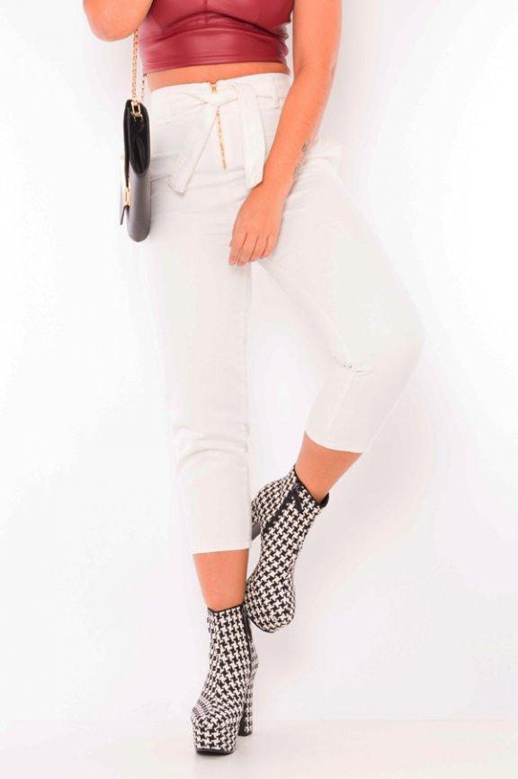 Calca jeans hot pants com ziper frontal