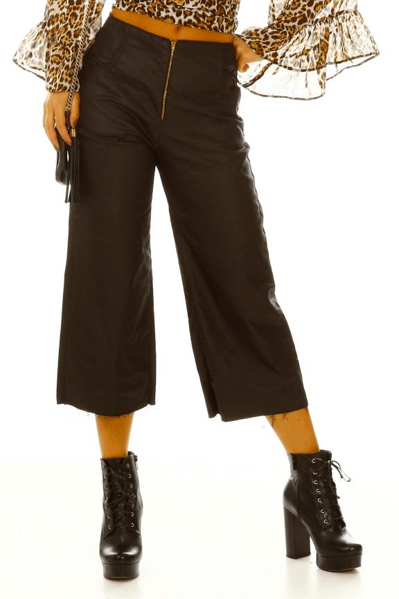 Calça Pantacourt em Jeans