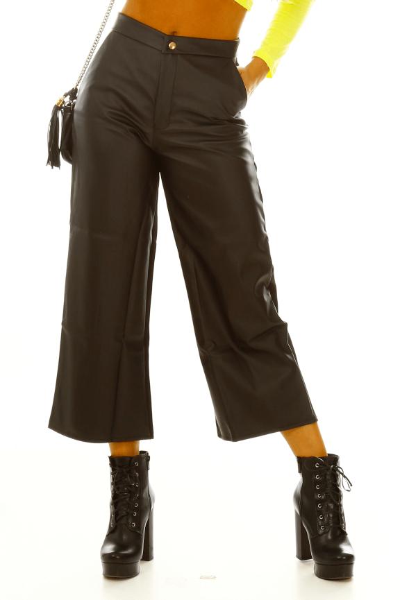 Calça Pantalona de Courino