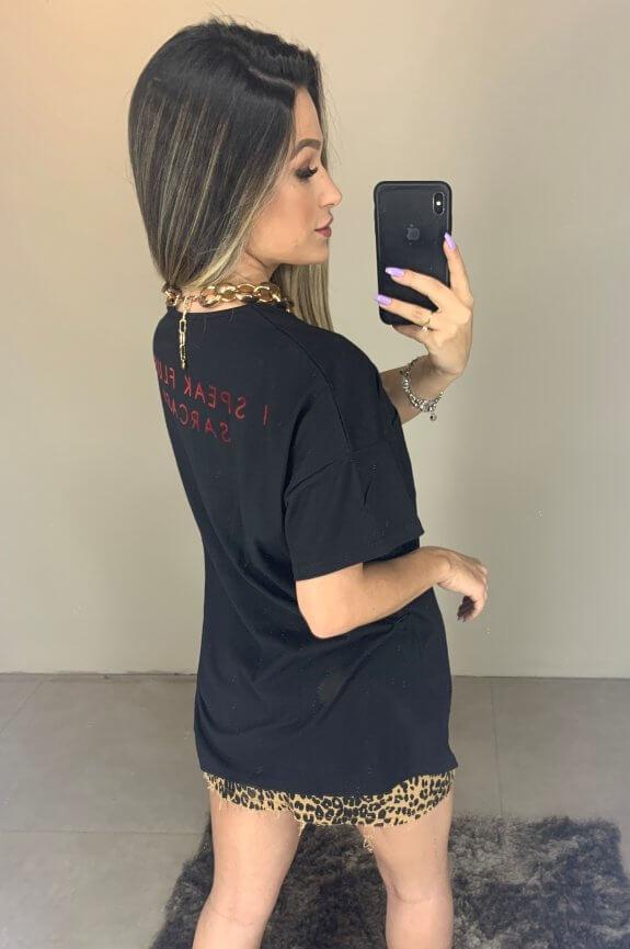T-shirt Ampla com Bolso e Lettering