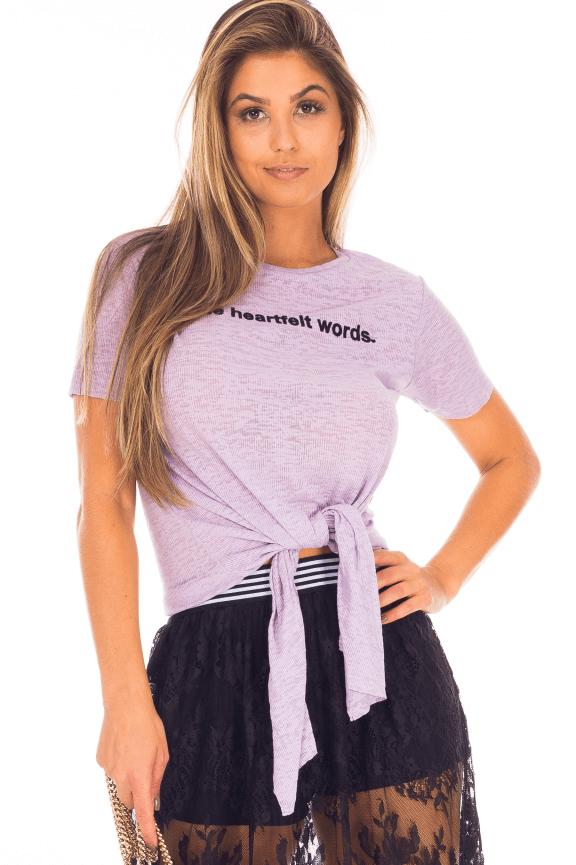 T-shirt com Lettering e Amarração