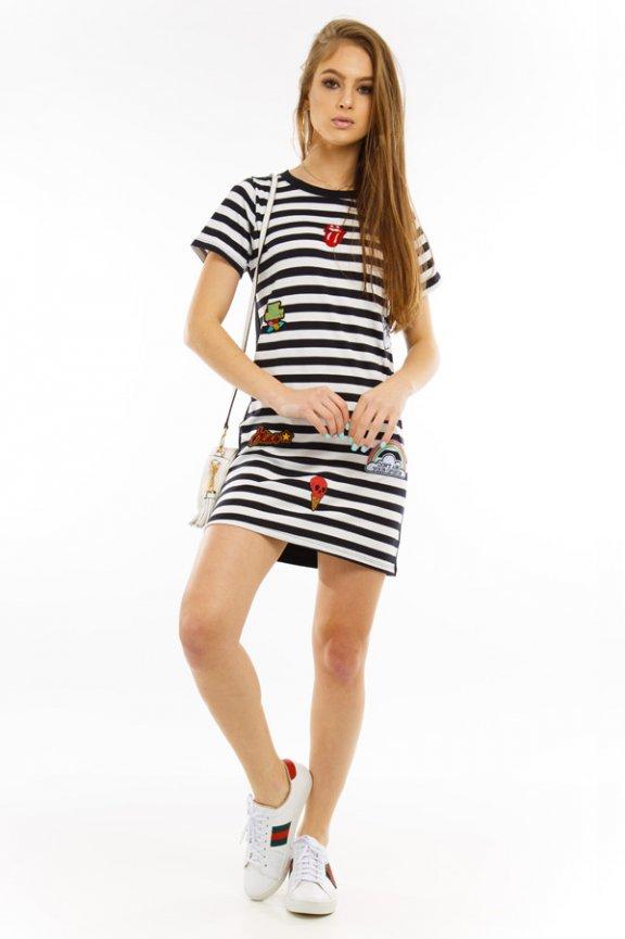 T-shirt Dress com Aplicação de Patches