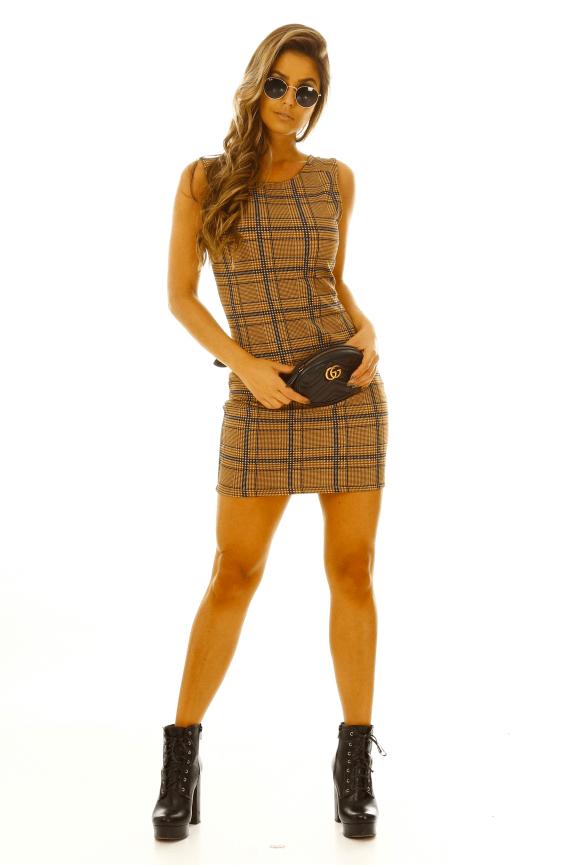 Vestido Ajustado com Estampa Xadrez