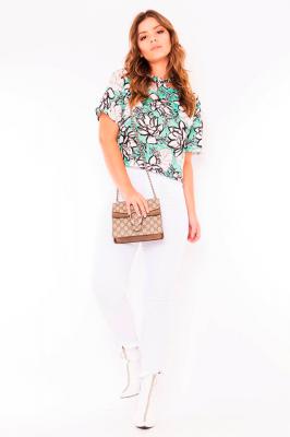 Imagem - Blusa Cropped Estampa Floral com Gola Assimétrica
