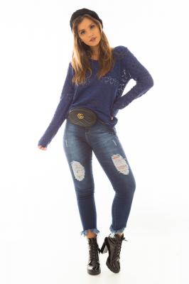 Imagem - Blusa de Tricô com Decote Assimétrico