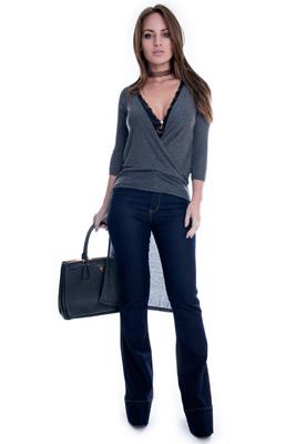 Imagem - Calça Flare Jeans com Bolso