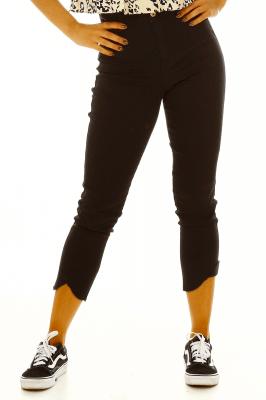 Imagem - Calça Jeans Cropped com Barra Destroyed