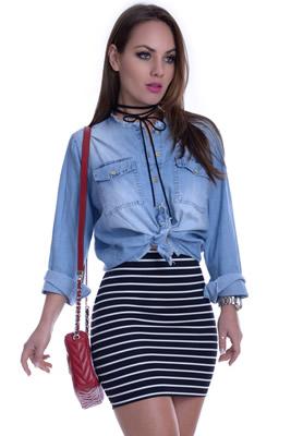 Imagem - Camisa Jeans com Barra Desfiada