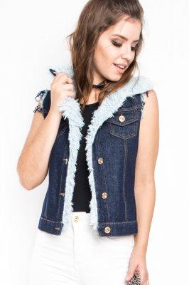 Imagem - Colete Jeans com Aplicação de Pelos