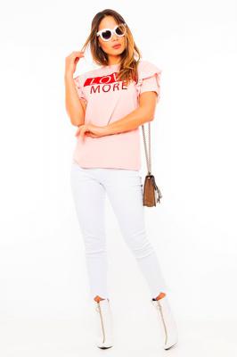 Imagem - T-shirt com Lettering Flocado e Babados