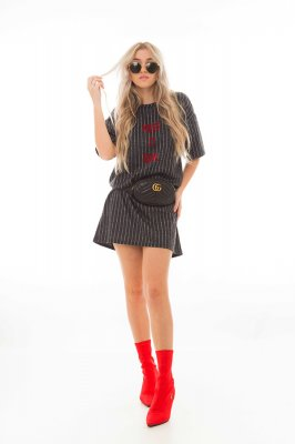 Imagem - T-shirt Dress Risca de Giz com Lettering