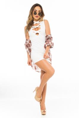 Imagem - Vestido Ajustado com Decote Trançado