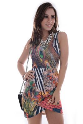 Imagem - Vestido com Corte Geometrico