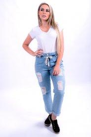 Imagem - Calça Jeans Feminina Mom com Rasgos e Cordão