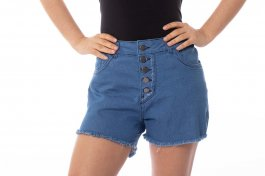 Imagem - Short Jeans Feminino com Botões e Barra Desfiada