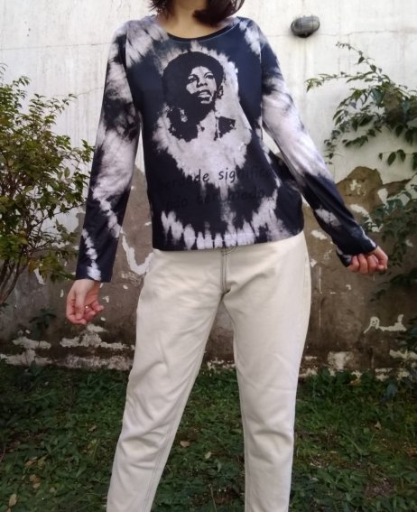 Blusa Nina Simone Tie Dye