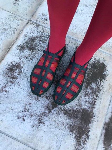 Sapato de Látex preto e vermelho