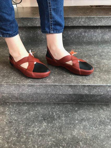 Sapato de Látex terra e preto
