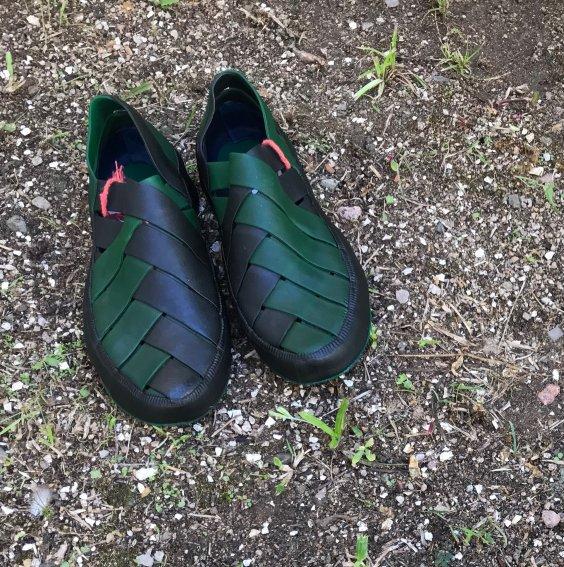 Sapato de Látex Verde e Azul