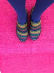 Imagem - Sapato de Látex Listras Coloridas