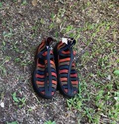 Imagem - Sapato de Látex preto e vermelho - 244