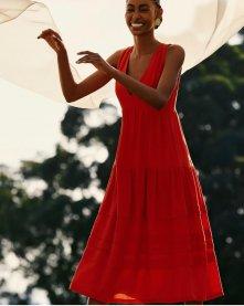 Imagem - Vestido em Linho com Pregas e Decote V