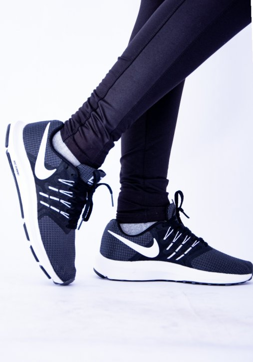 TÊNIS FEMININO RUN SWIFT NIKE