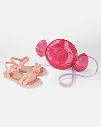 Imagem -  Sandália Barbie Candy Bag com Bolsa Grendene