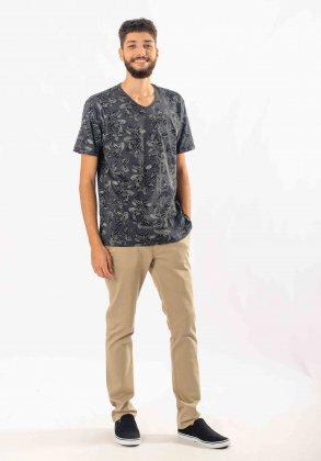 Imagem - Camiseta Masculina Pitt Manga Curta Estampada Gola V