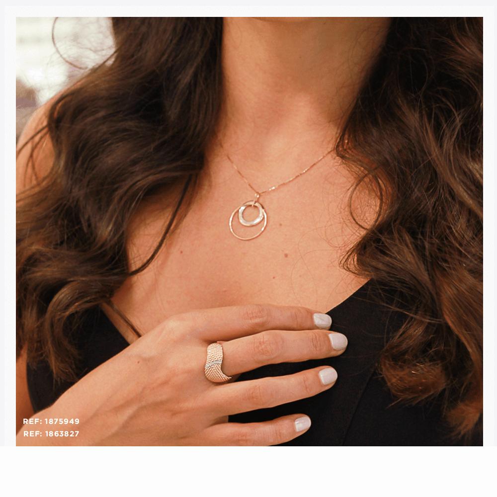Colar e anel elegantes em ouro rosé para o verão