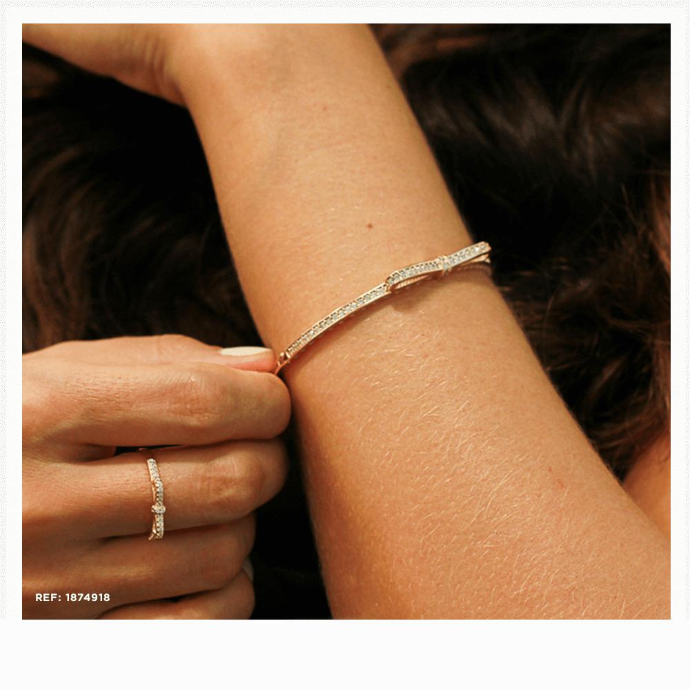Pulseira em ouro rosé e anel em prata rosé para o verão
