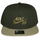 Bone Nike 628683
