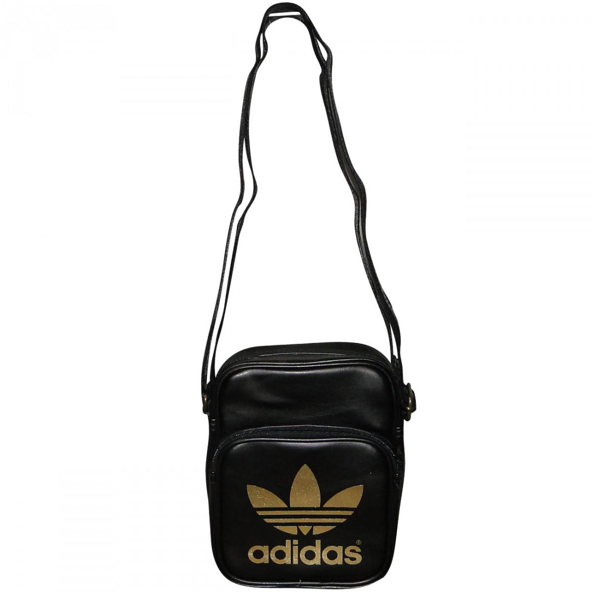 f18bf889465 Bolsa Adidas Mini Bag G84848 - Preto Dourado - Chuteira Nike
