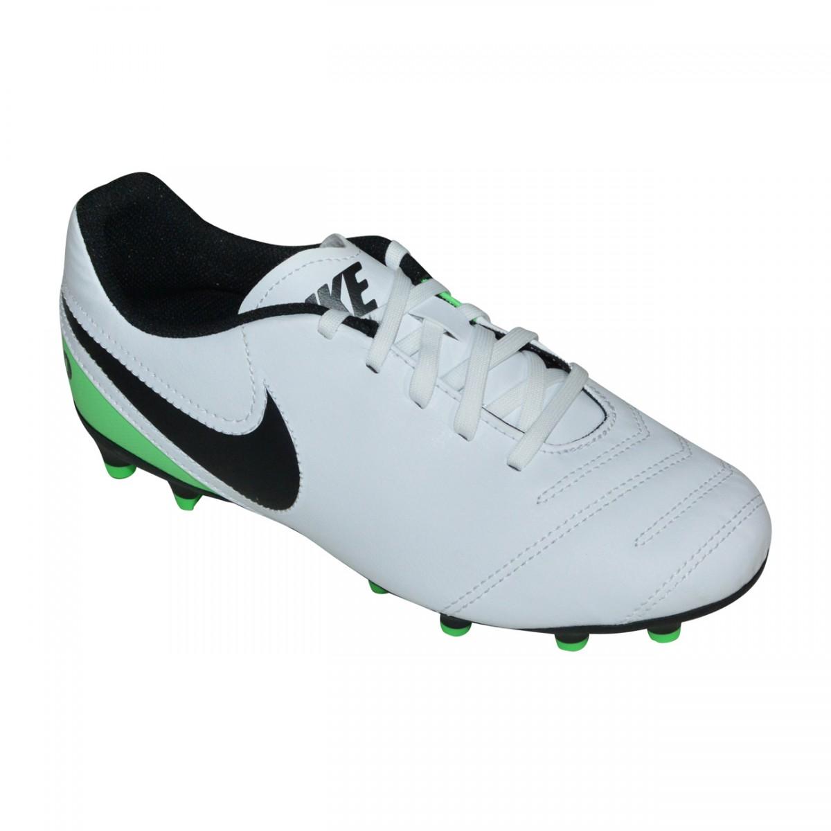 ad903b08c0 Chuteira Nike Tiempo Rio III Juvenil 819195 103 - Branco Preto Verde -  Chuteira Nike