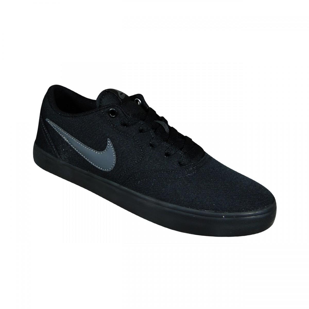 ab96e95b218 Tenis Nike Team Hustle D8 TD Infantil 881943 001 - Preto Preto Prata ...