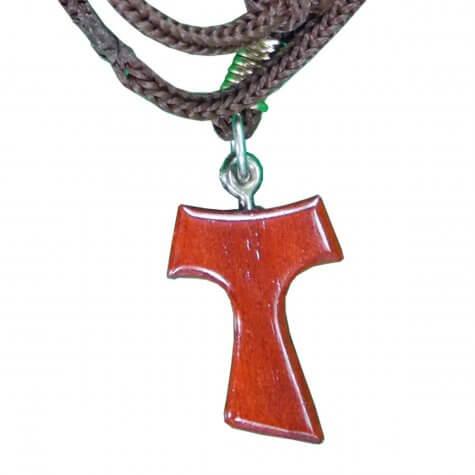 Cordão com Crucifixo de Tau Vermelho