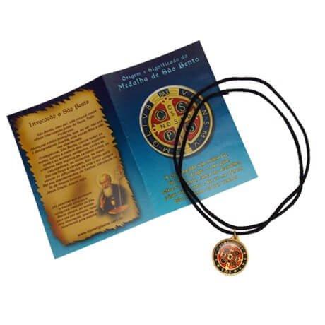 Cordão com Medalha de São Bento e Oração