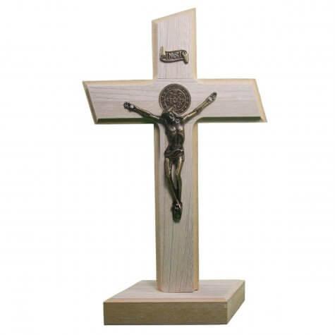Cruz de Madeira - Medalha de São Bento - 26 x 15