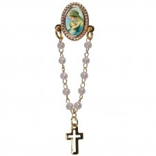 Imagem - Botton com mini terço Nossa Senhora do Abraço cód: 17754572