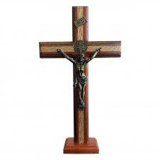 Imagem - Crucifixo Em Madeira De Jesus Com Medalha De São Bento 32 Cm cód: CRUFXG-32-P