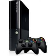 Console Xbox 360 4Gb Com 2 Controles Sem Fio 220V - L9V-00066