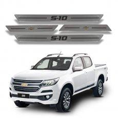 Imagem - Soleira de Portas Resinada Aço Escovado Chevrolet S10 cód: SLR.69.059.PR