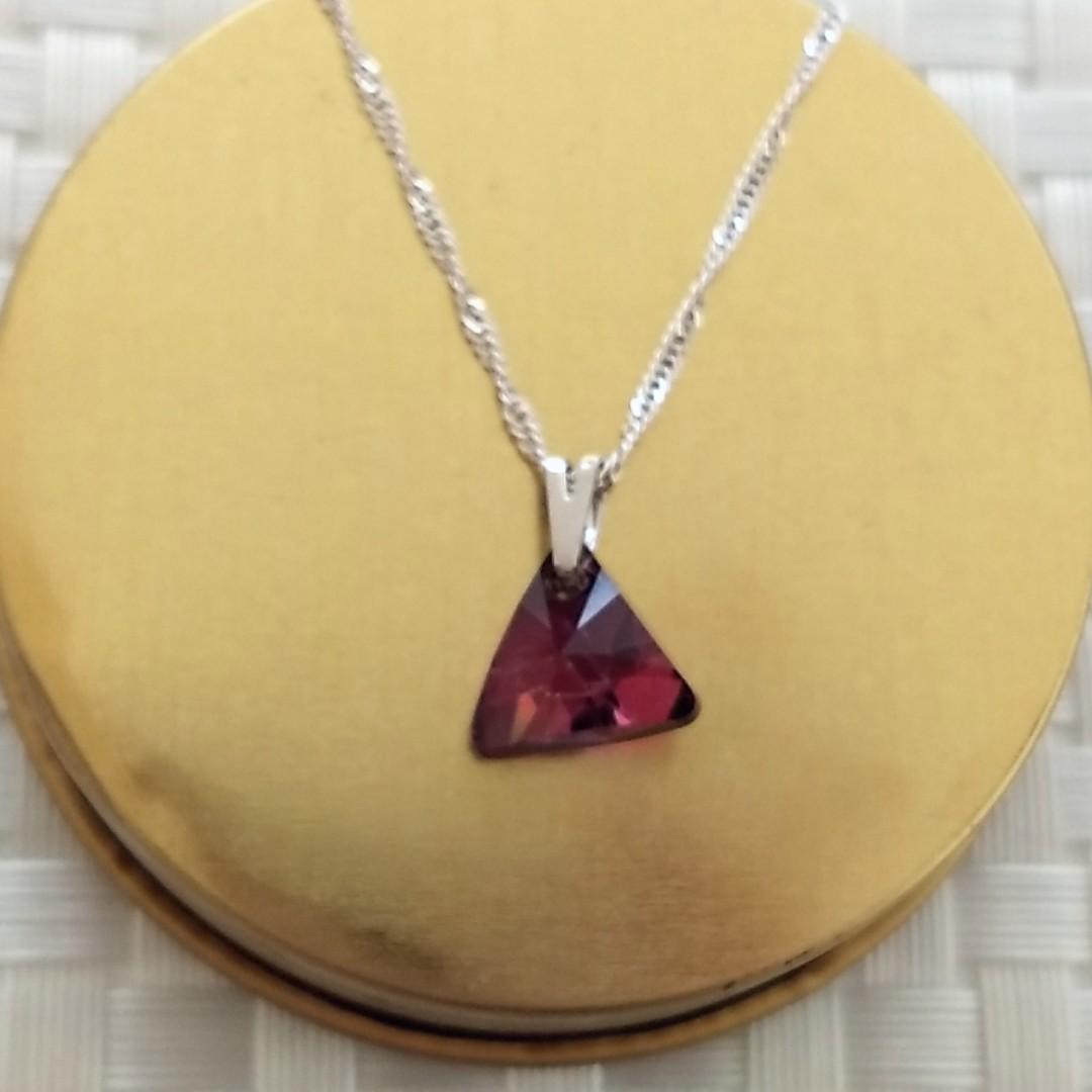 Imagem - Gargantilha Swarovski Triângulo 12mm Lilac Shadow cód: 1710R