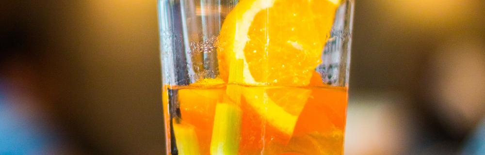 Rooibos Gin: prepare o drink no seu happy hour