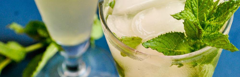Aprenda a fazer o Mojito Tea, um cocktail que é a cara do verão