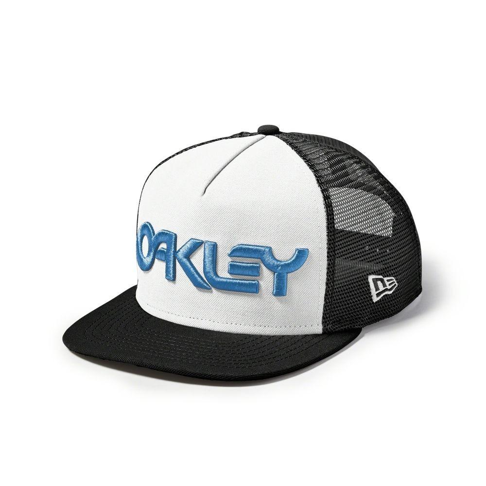 Boné Oakley Fp Trucker Mesh Snapback cc5c6152176