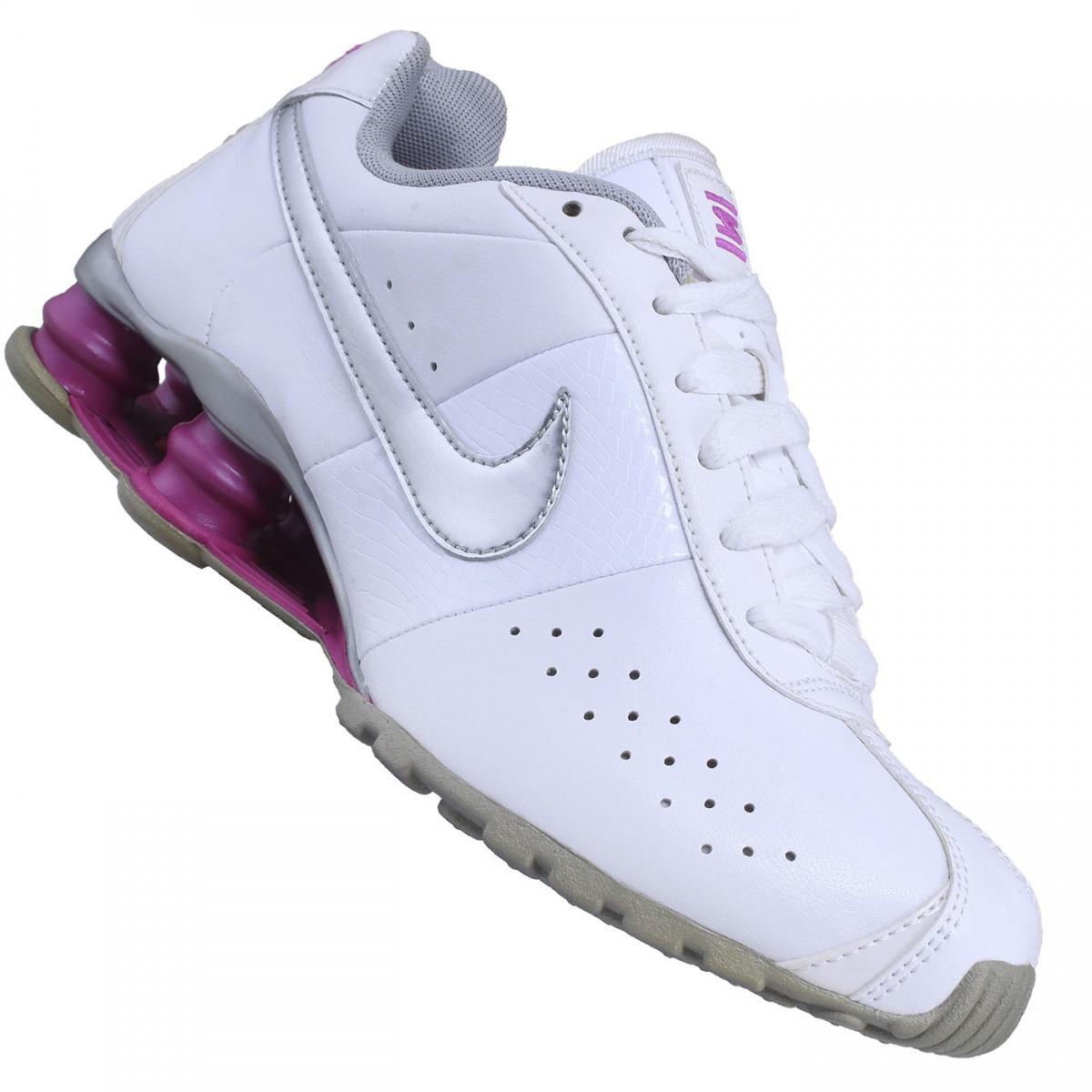 buy online 8715f ddbb5 Tênis Nike Shox Classic II W   Treino e Corrida