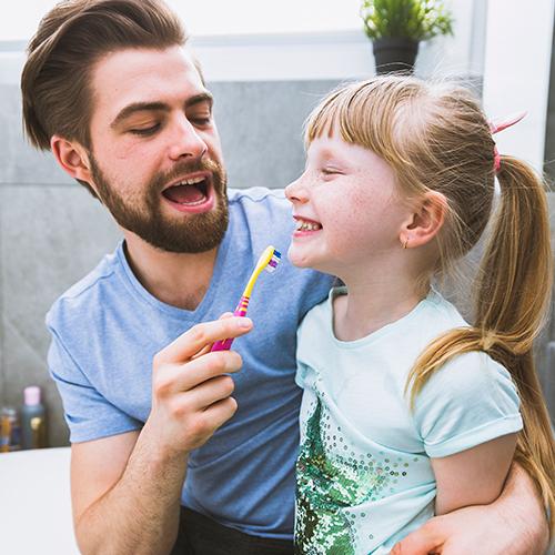 Imagem - Escovar os dentes: prática deve ser iniciada logo cedo